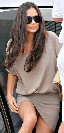 Long haired Demi Moore upskirting